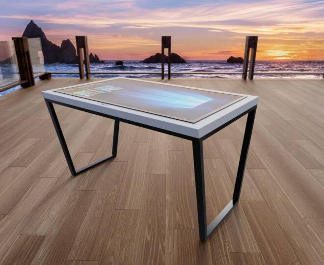Интерьерное фото белого сенсорный стола Elpix S8