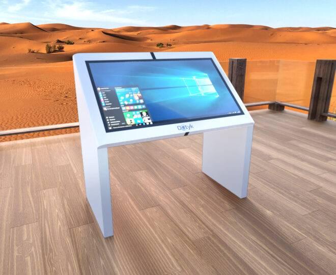 Интерьерное фото сенсорной стойки Elpix V5